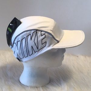 Nike Accessories - Women's Nike Hat